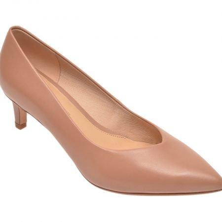 Pantofi CLARKS nude